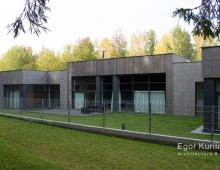Современный загородный дом под Минском спроектирован и постороен для современной молодой пары