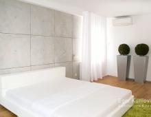 Интерьер спальни наполнен легкостью и воздушностью