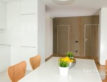 Легкое воздушное пространство интерьера кухни